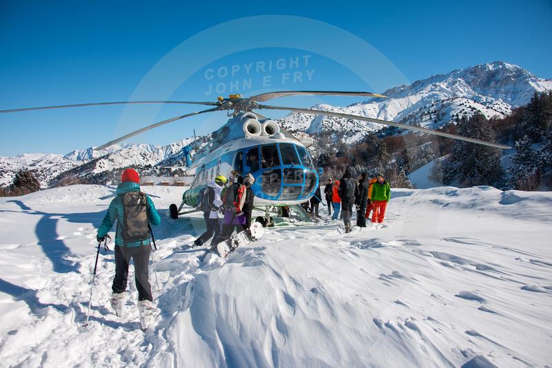 John E Fry: Uzbekistan Skiing &emdash; Uzbek-Ski-FRY-1417a